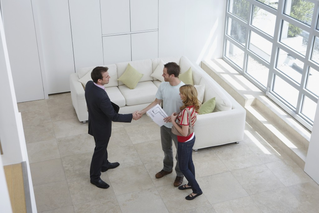 realtor and interested buyers