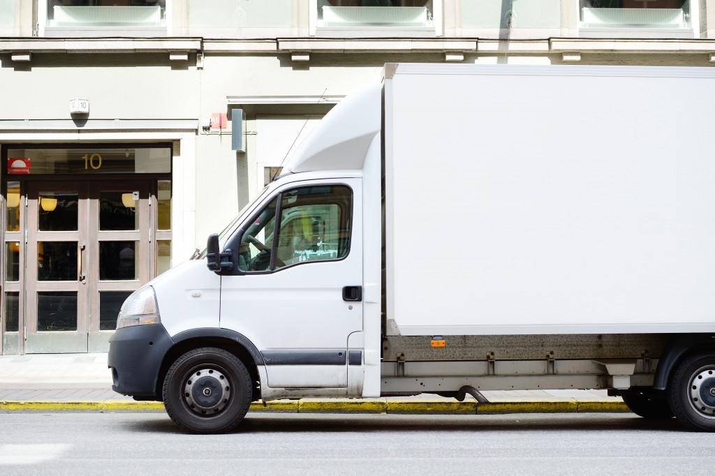 Logistic vehicle