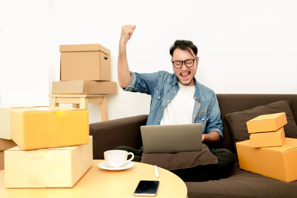 man in ecommerce